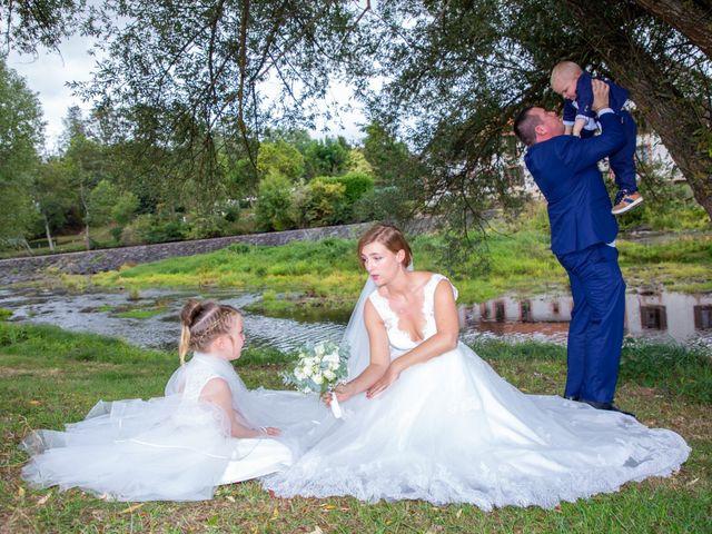 Le mariage de Aymeric et Florence à Verneix, Allier 19