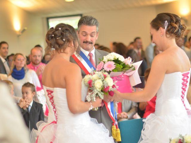 Le mariage de Charlotte et Barbara à Mours, Val-d'Oise 13