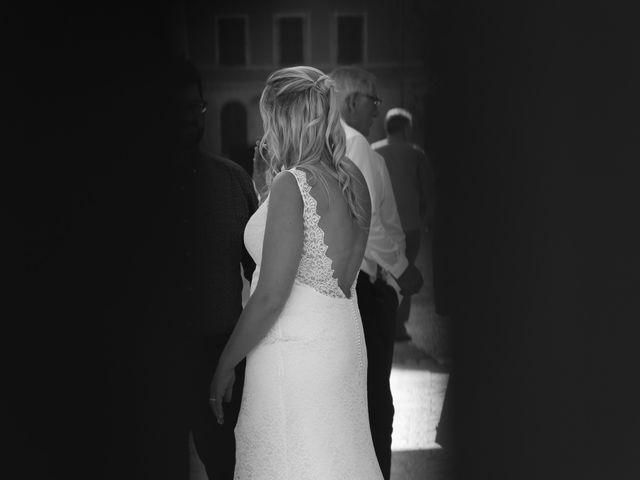Le mariage de Adrien et Sophie à Poligny, Jura 12