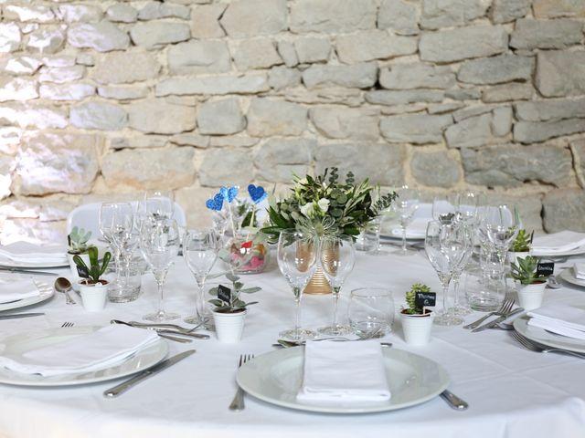 Le mariage de Adrien et Sophie à Poligny, Jura 18