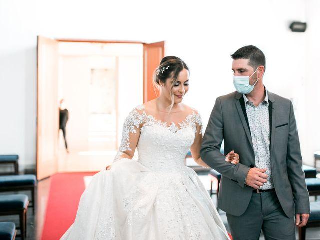 Le mariage de Mohamed et Mélodie à Larmor-Plage, Morbihan 17