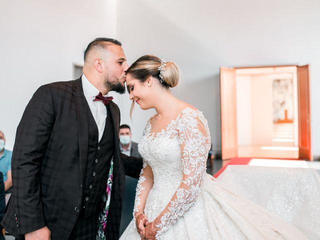 Le mariage de Mohamed et Mélodie à Larmor-Plage, Morbihan 27