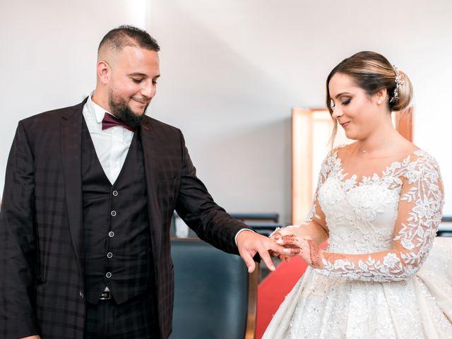 Le mariage de Mohamed et Mélodie à Larmor-Plage, Morbihan 32