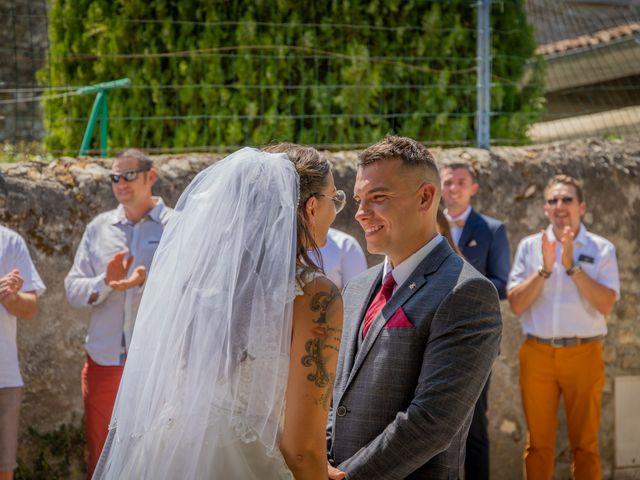 Le mariage de Yohann et Maëva à Sauzet, Gard 4