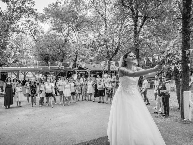 Le mariage de Yohann et Maëva à Sauzet, Gard 22