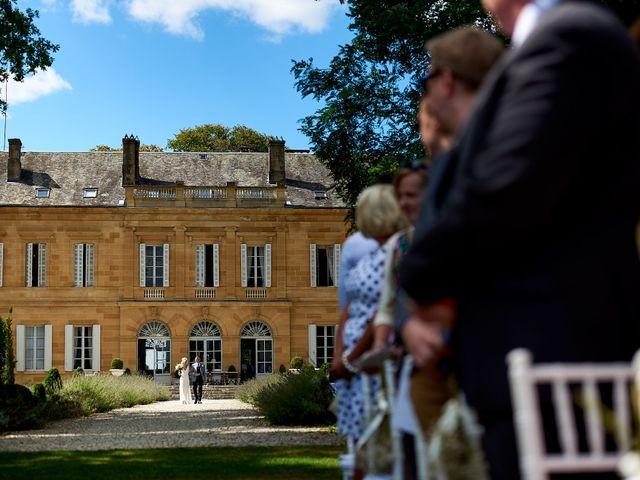 Le mariage de Stephen et Holly à Lanouaille, Dordogne 20
