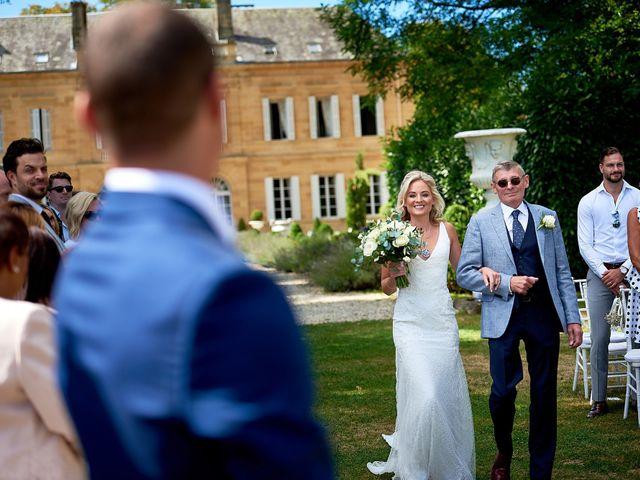 Le mariage de Stephen et Holly à Lanouaille, Dordogne 23