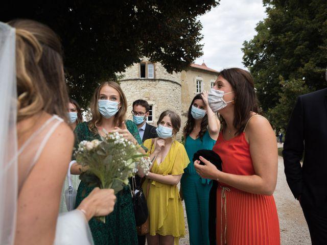 Le mariage de Joachim et Clara à Saint-Geoire-en-Valdaine, Isère 40