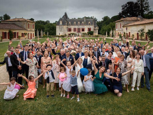 Le mariage de Damien et Elodie à Bordeaux, Gironde 32
