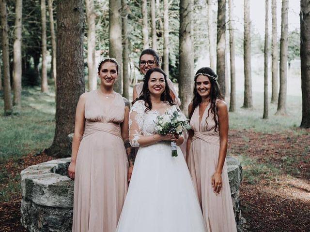Le mariage de Arnaud et Manon  à Le Puy-en-Velay, Haute-Loire 26