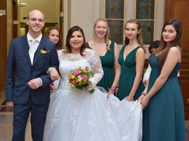 Le mariage de Julien et Amanda à Paris, Paris 33