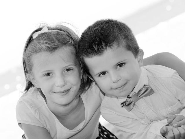 Le mariage de Sébastien et Marion à Ronce-les-Bains, Charente Maritime 16