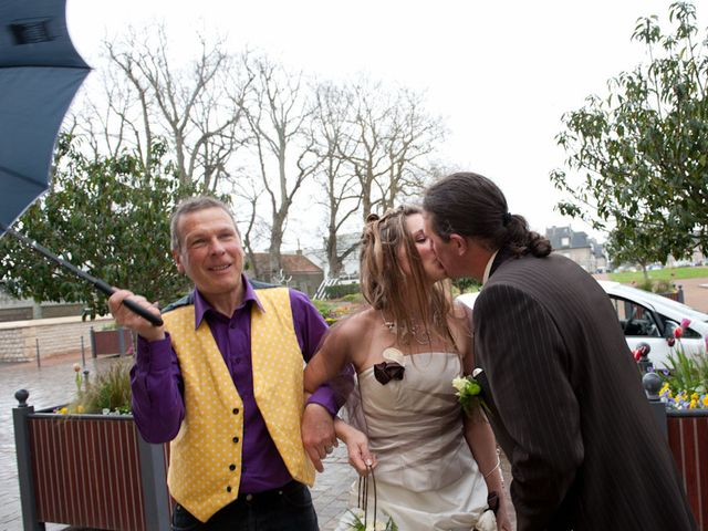 Le mariage de Laurent et Agathe à Isigny-sur-Mer, Calvados 13