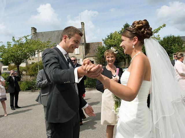 Le mariage de Benjamin et Elodie à Doville, Manche 2