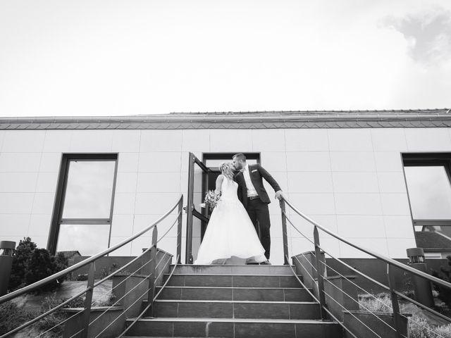 Le mariage de Valentin et Daisy à Entrammes, Mayenne 25