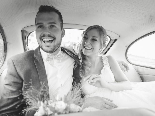 Le mariage de Valentin et Daisy à Entrammes, Mayenne 32