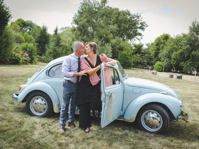 Le mariage de Valentin et Daisy à Entrammes, Mayenne 40