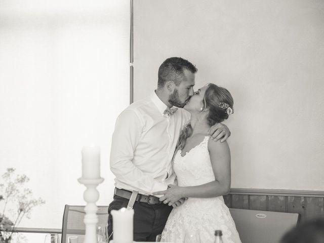Le mariage de Valentin et Daisy à Entrammes, Mayenne 44