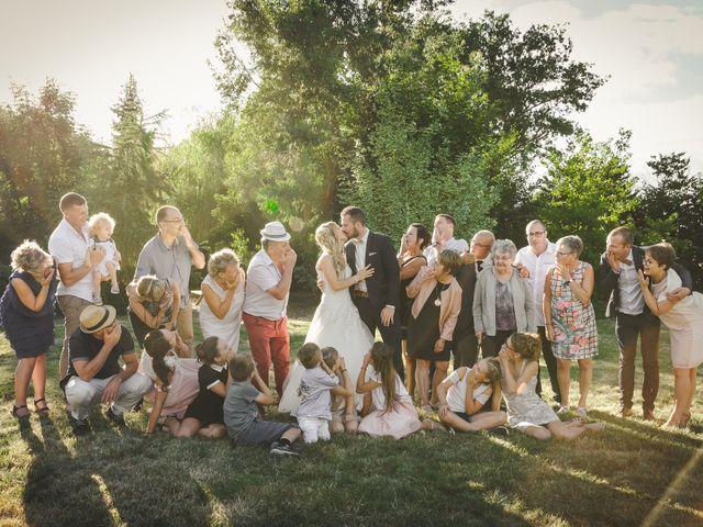 Le mariage de Valentin et Daisy à Entrammes, Mayenne 47