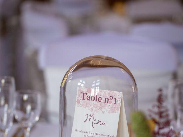 Le mariage de Clément et Virginie à Saint-Menoux, Allier 19