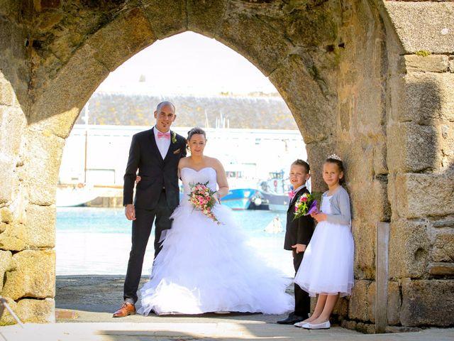 Le mariage de Allan et Elodie à Concarneau, Finistère 22