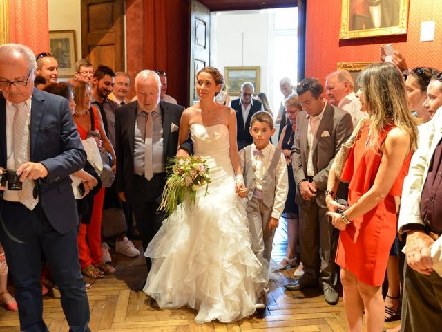 Le mariage de Cyrille et Caroline à Sainte-Cécile-les-Vignes, Vaucluse 7