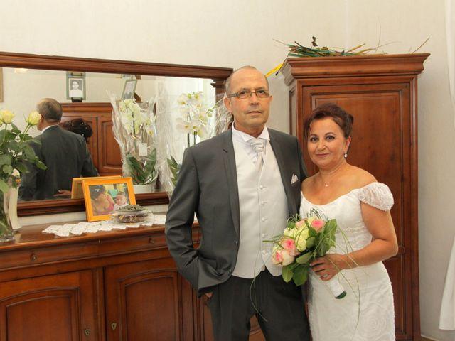 Le mariage de Dominique et Djaïda à Molières-sur-Cèze, Gard 9