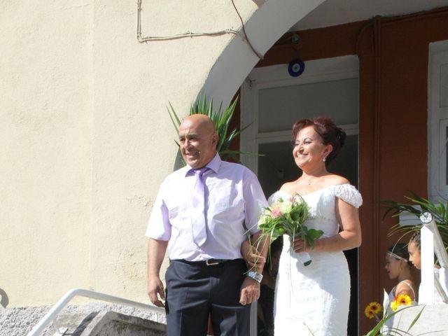 Le mariage de Dominique et Djaïda à Molières-sur-Cèze, Gard 11