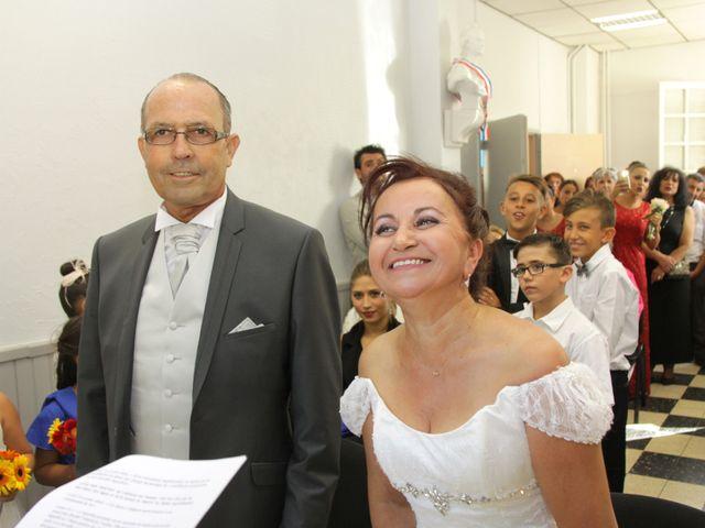 Le mariage de Dominique et Djaïda à Molières-sur-Cèze, Gard 25