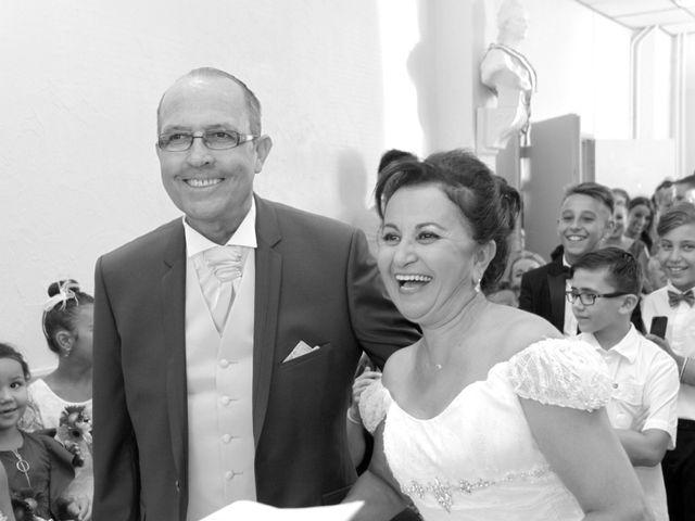 Le mariage de Dominique et Djaïda à Molières-sur-Cèze, Gard 28