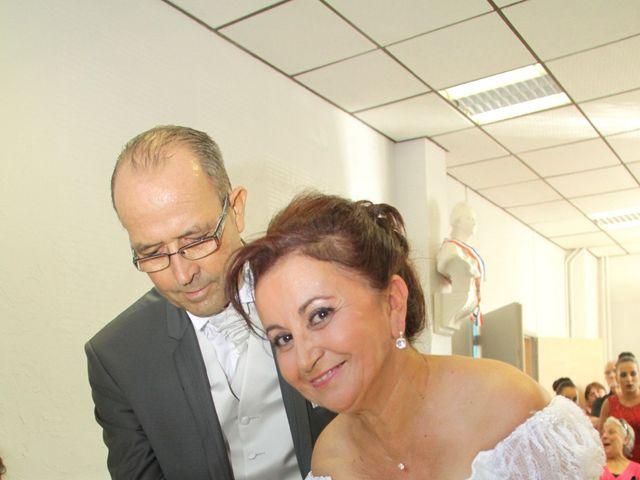 Le mariage de Dominique et Djaïda à Molières-sur-Cèze, Gard 32