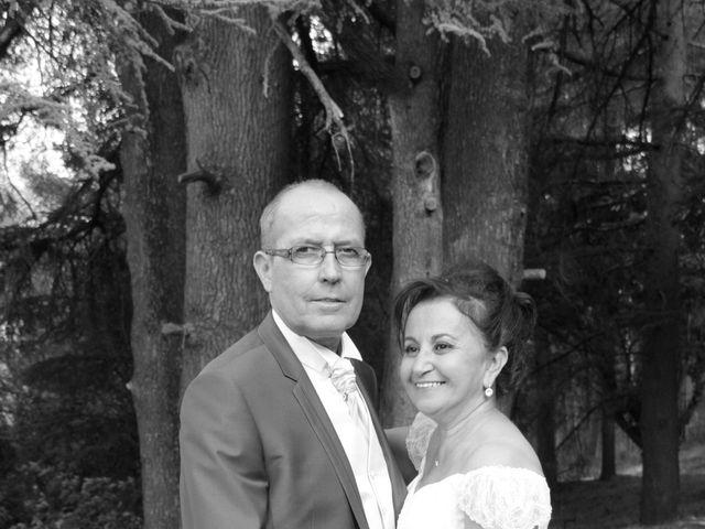 Le mariage de Dominique et Djaïda à Molières-sur-Cèze, Gard 54