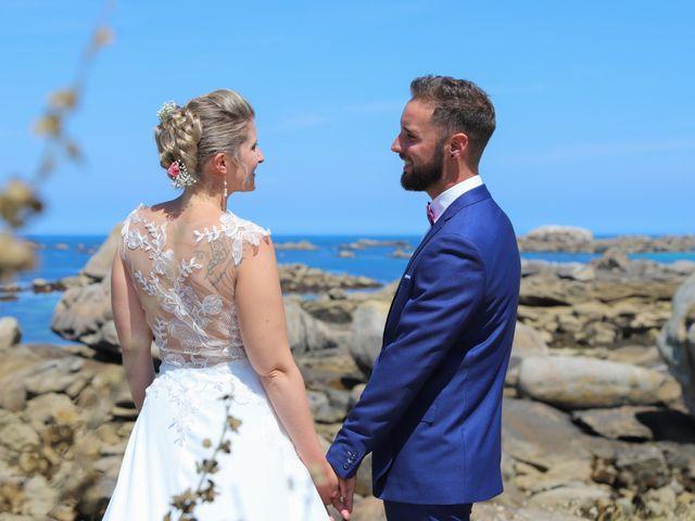 Le mariage de Aimé et Marina à La Roche-Maurice, Finistère 13