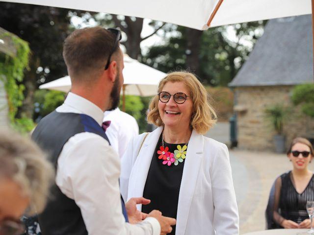 Le mariage de Aimé et Marina à La Roche-Maurice, Finistère 85