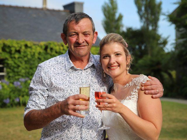 Le mariage de Aimé et Marina à La Roche-Maurice, Finistère 88