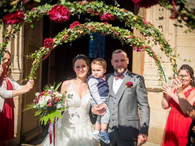 Le mariage de Allan et Betty à Saint-Méen-le-Grand, Ille et Vilaine 24