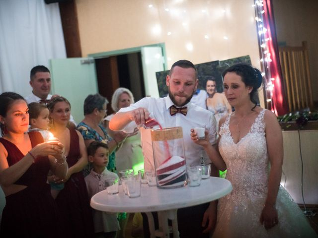Le mariage de Allan et Betty à Saint-Méen-le-Grand, Ille et Vilaine 71