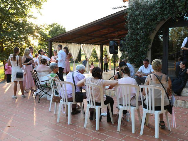 Le mariage de Julien et Marine à Marsillargues, Hérault 24
