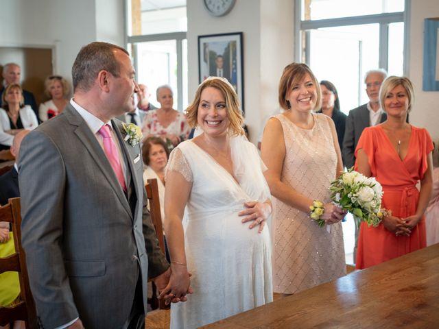 Le mariage de Sébastien et Aurélie à Ollières, Var 3