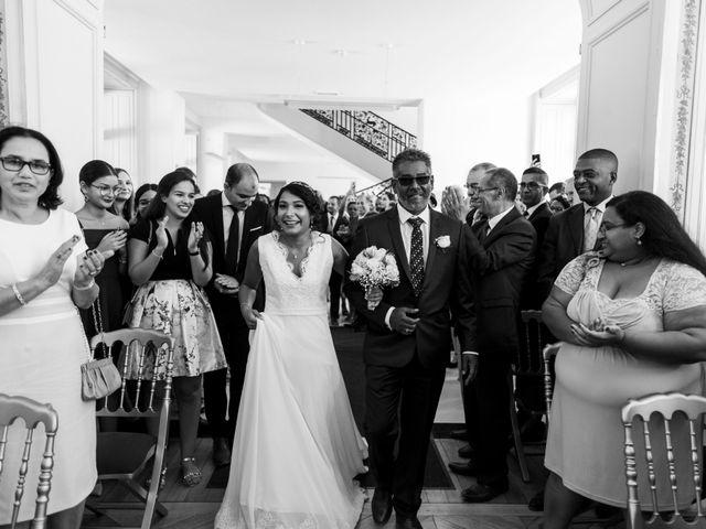 Le mariage de Adil et Alison à Paris, Paris 23