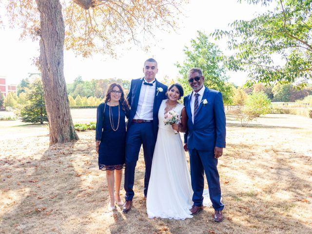 Le mariage de Adil et Alison à Paris, Paris 43