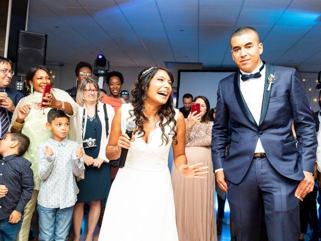 Le mariage de Adil et Alison à Paris, Paris 74