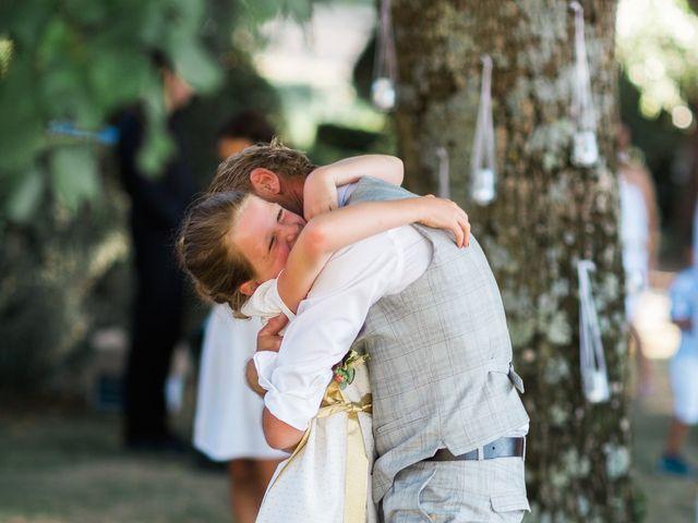 Le mariage de Dimitri et Agnès à Jaillans, Drôme 14