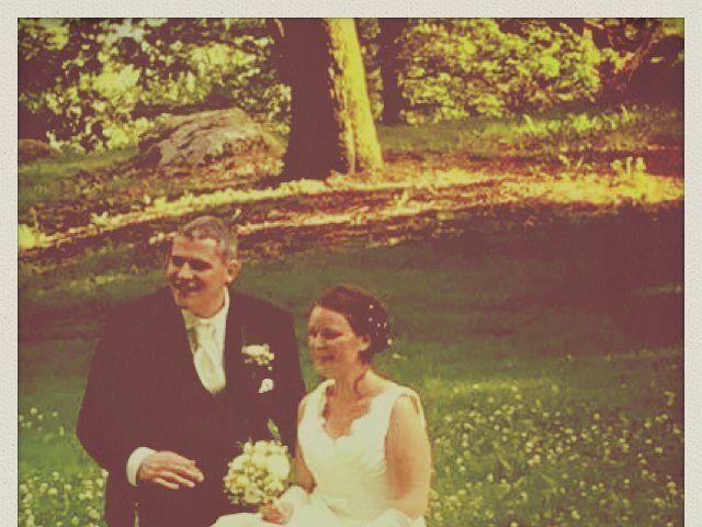 Le mariage de Brendan et Mélinda à Notre-Dame-du-Touchet, Manche 16