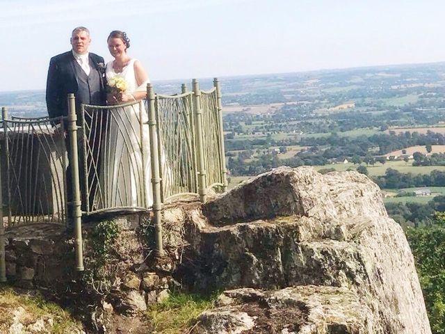 Le mariage de Brendan et Mélinda à Notre-Dame-du-Touchet, Manche 1