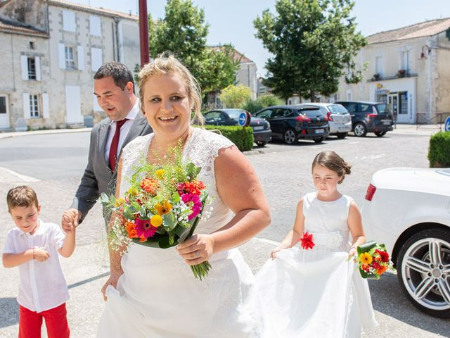 Le mariage de Micka et Emeline à Vars, Charente 1