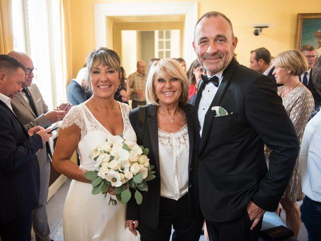 Le mariage de Victor et Corinne à Bois-d'Arcy, Yvelines 23