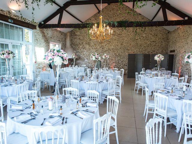 Le mariage de Victor et Corinne à Bois-d'Arcy, Yvelines 35