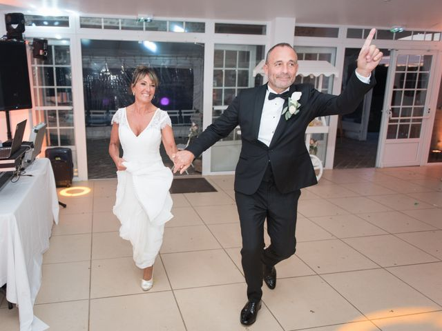 Le mariage de Victor et Corinne à Bois-d'Arcy, Yvelines 81