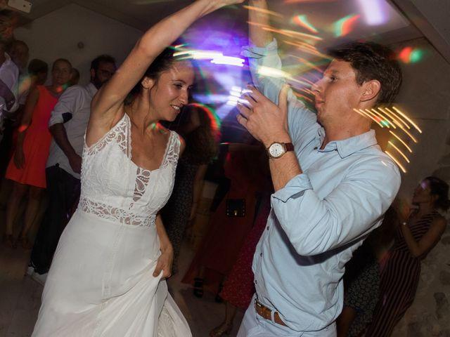 Le mariage de Marc et Zoé à Jaillans, Drôme 32